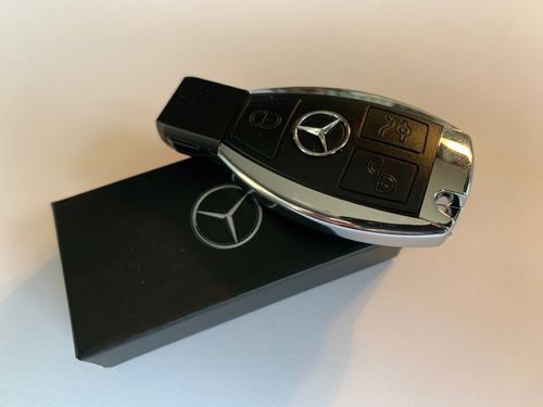 Mercedes-Benz USB Flashdrive, 4 GB